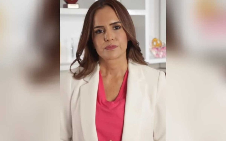 Clara Luz Flores pide perdón por mentir sobre Keith Raniere