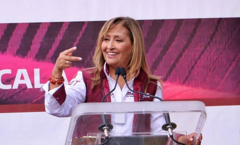 Lorena Cuéllar da despensas a cambio de voto en Tlaxcala
